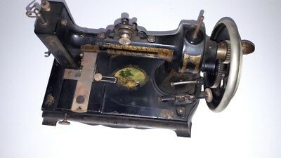 Antique white Peerless sewing machine Patent 1877 Chromed crank wheel version