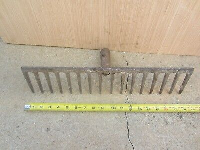 Antique Vintage 16 Tine Rusty Garden Rake