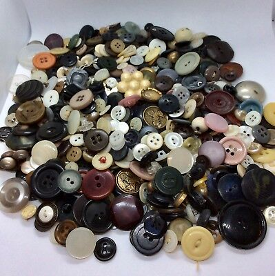 Vintage Button Lot Of 600 Mixed Materials Plastics MOP Vegetable Ivory Etc