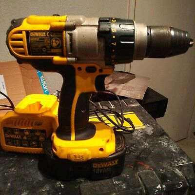 DeWALT DC925 CORDLESS 18V XRP 3 SPEED COMBI HAMMER DRILL  WITH CHARGER