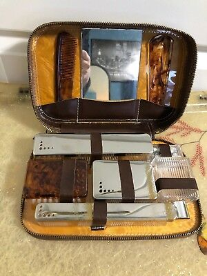 Vintage men's bathroom travel shaving kit toiletries 50s 60s accessories