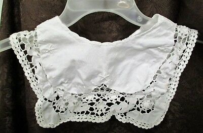 Vintage Hand Made Child's White Cotton Collar With Crocheted Edges Pearl Button