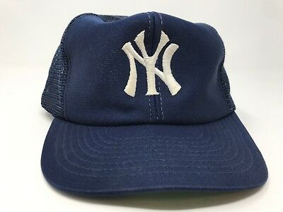 965372453109b Vintage New York Yankees Snapback Trucker Hat MLB Baseball Mesh 80s Green  Brim