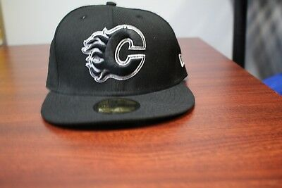 NEW ERA 59fifty NHL Calgary Flames Black and White Fitted Hat Sz 7 1 8 bb8622321ceb