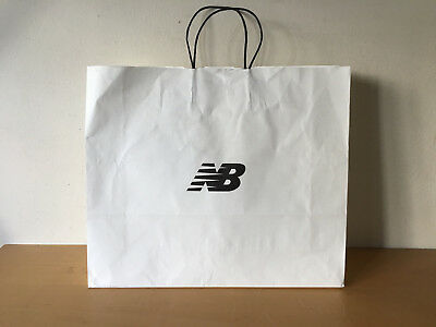 Used - Paper Bag  NEW BALANCE  Bolsa de Papel - White color Blanco - Usado