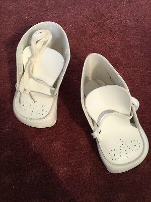 65c50ce5101c4 VINTAGE BUSTER BROWN Wikler White Baby Shoes w/Box ~ SZ. 3 1/2E ...