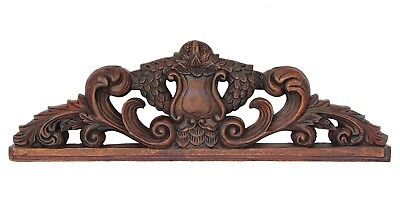 19th Century French Louis XVI-style Wooden Carved Pediment