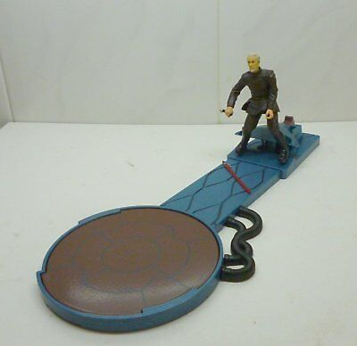Star Wars - Count Dooku + Force-Flipping Attack - Saga Deluxe Series 2002
