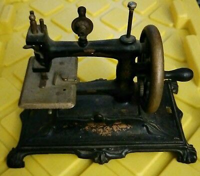 Small Old Antique Hand Crank Cast Iron Sewing Machine child's ?