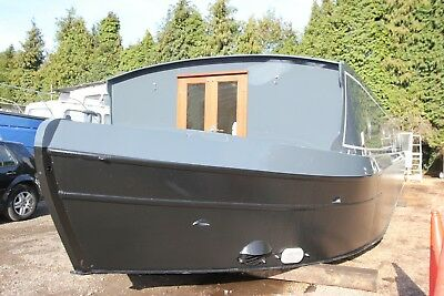 60 x 12 painted sailaway widebeam bow thruster nr London house boat liveaboard