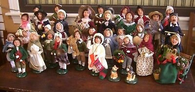 Lot Of 35 Byers Choice People Ltd The Carolers Holiday Figurines No Reserve Nr