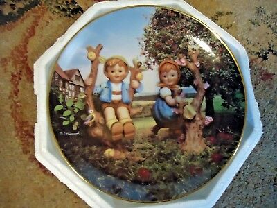 M.J. Hummel Apple Tree Boy and Girl Limited Edition Collector Plate Danbury Mint
