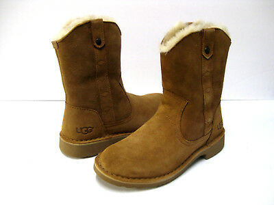 4fc77b2a2c1 UGG WOMEN'S LARKER Twinface Sheepskin and Suede Black Boots ...
