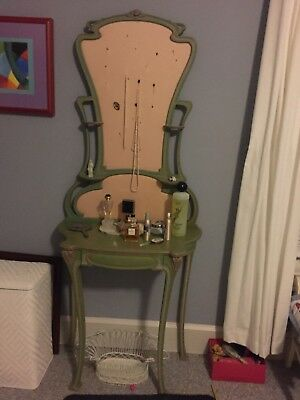 Antique Dressing table, Green 6' x 2' Approximate