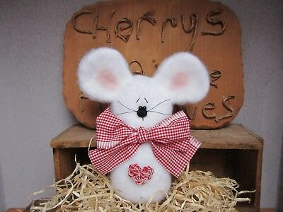 Primitive Valentine's Day Mouse Crochet Heart Bowl Fillers Ornies