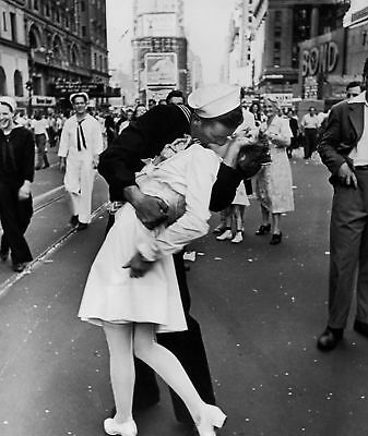 The Kiss End Of Black And White 8x10 Glossy Photo Print