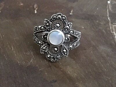 Vintage Art Deco 925 sterling silver mother of pearl marcasite ring size 6.5, 5g