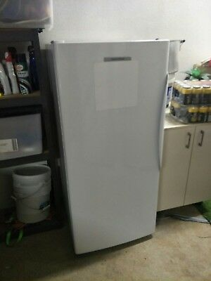 Fisher & Paykel 304Litre Upright Freezer - White