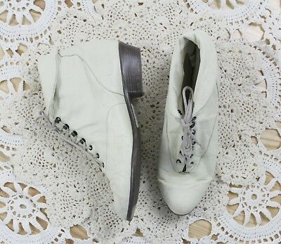 80s White Ankle Boots   Vintage Booties Leather Lace Up Boots Shoes   Size: 8