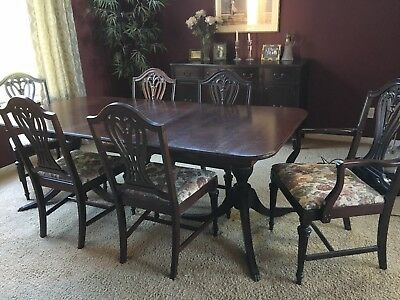 1905-1920 Duncan Phyfe Dining Room Table And Chairs
