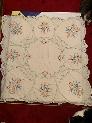 Vintage Hand Embroidered Floral Tablecloth (D) Scalloped Edge