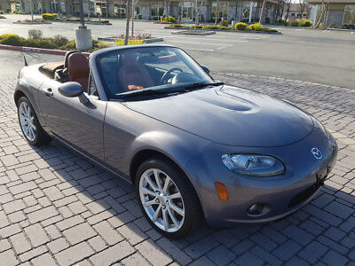 2006 Mazda MX-5 Miata Grand Touring Convertible 2-Door 2006 MAZDA MX-5 MIATA GRAND TOURING, ONLY 30K MI, AUTOMATIC, DON'T MISS!