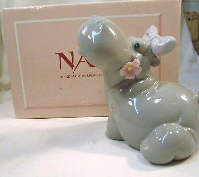 """Lladro/Nao  Cute Hippo with a flower in it;s mouth   """"Amor en le Lago""""  BOXED"""