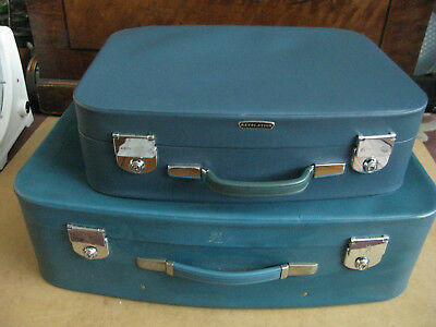 Vintage 1950s 1960s Blue  Suitcases x 2 with keys