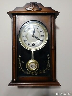 15 Day Mantle Clock With Pendulum And Wind Up Key