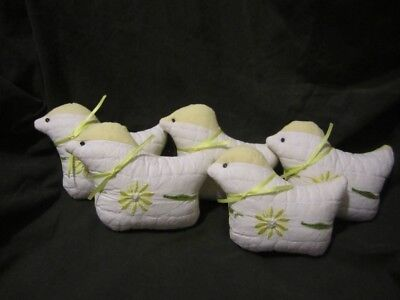 Primitive quilted Chicken bowl fillers - yellow/white with stitched flower