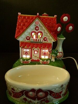 Dept 56 Valentine Lighted House with Candy dish M & M's