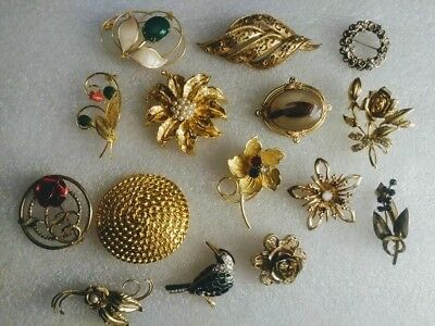 Estate JEWELRY Lot Of Assorted Brooch PIN Lot  Vintage Contemporary. RETRO