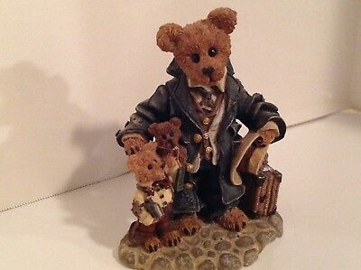 """Boyds Bears & Friends """"Uncle Gus and Gary…The Gift"""" 1997, Limited Edition"""