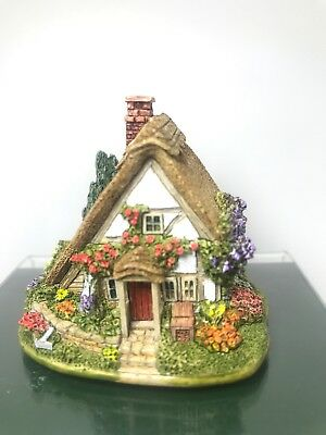 Lilliput Lane Roses Are Red - 2000 The British Collection - New - Box - Deed
