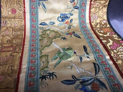 Stunning Chinese Silk Embroidery Painting 18th C Antique Works Of Art