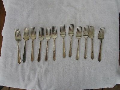 VINTAGE+HIGH QUALITY~12 PIECE  [1847 Rogers Bros. IS]  Silverplate Fork Set
