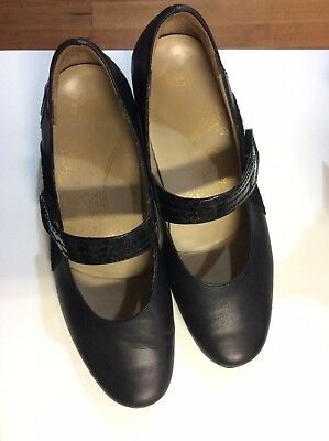 KUMFS leather Shoes Size 9 (40)