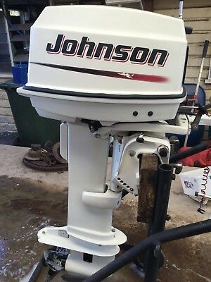 25HP Johnson 2004 model outboard motor, selling cheap get in Quick