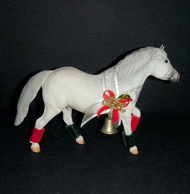 Breyer Halflinger 702197 Snowball the Christmas Pony 1997 Christmas holiday pony