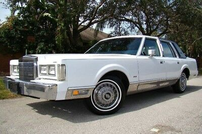 1989 Lincoln Town Car  1989 LINCOLN TOWN CAR ONLY 46K ACTUAL MILES! NEW TIRES! SIGNATURE! 1 OWNER! FL!