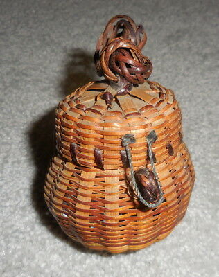 Vintage Native American Wabanoki Confederacy Penobscot Nation Basket Maine area