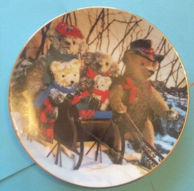 Hamilton Collection Sleigh Ride Plate from Bialosky & Friends #1129A
