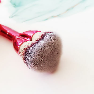 It Cosmetics Brushes Love Beauty Fully Love is the Foundation Heart Pink Brush