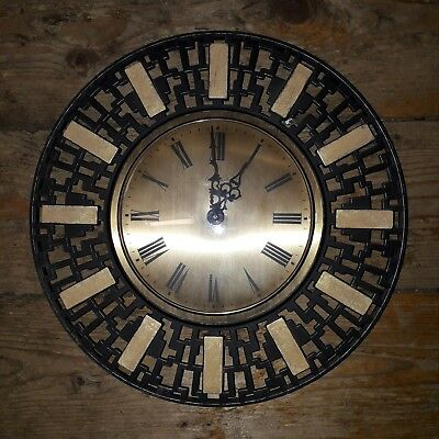 Timemaster vintage wall clock. Late 60s/early 70s approx. Brass/metal surround.