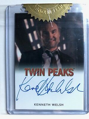 Twin Peaks Kenneth Welsh as Windom Earle Archive Box Exclusive  Autograph Card