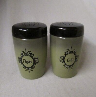 vintage WEST BEND avocado green aluminum range style salt & pepper shakers set
