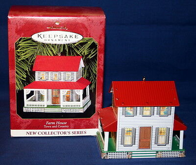 Hallmark Ornament 1999 Farm House First In The Town And Country Series