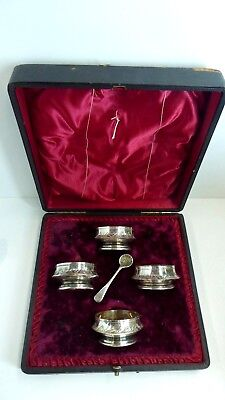 Antique Walker And Hall Boxed Set 4 Salt Dishes And Spoon  Epns Silver Plated