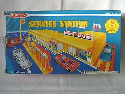 """""""Vintage/Collectable"""" - Blue Box toy SERVICE STATION with playmat - boxed -1980s"""