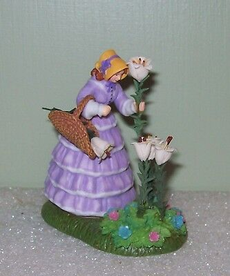 Dept 56 DV Dickens' Village #58583 A BASKET FULL OF BLOOMS Victorian Lady Garden
